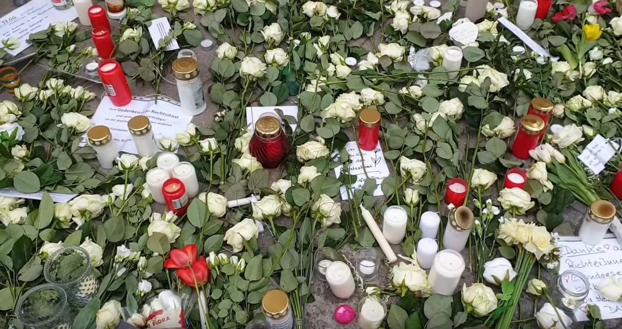 80. Biała Róża